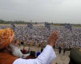 Pak Peshawar Maulana Fazl-ur-Rehman, chief of the Jamiat Ulama-e-Islam (Fazl) religious party, addresses a political gathering in Peshawar March 25 [Intikhab Amir].jpg